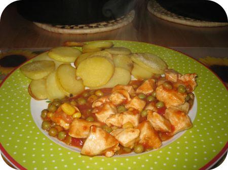 Mexicaanse Kip-tomaat schotel met aardappelschijfjes