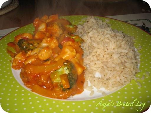 Kip met broccoli, bloemkool in tandoorisaus