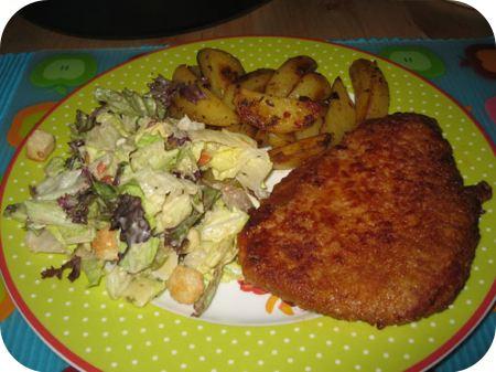 Wienerschnitzel met Toscaanse aardappeltjes en Ceasar Salad