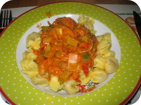 Perline met Pomodori e Formaggi saus