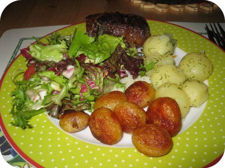 Argentijnse Slavink met Sla, Dille-aardappels en Gebakken Aardappels