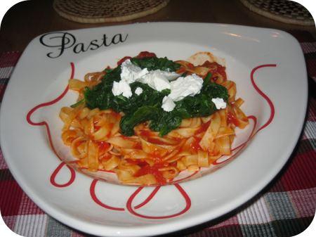 Tagliatelle met Spinazie, Tomaten en Ricotta
