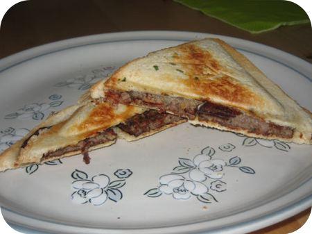 Tosti met Gehaktbal en Mozzarella
