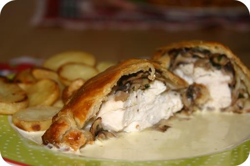 Kip en Champignons in Bladerdeeg met een Mosterdsaus