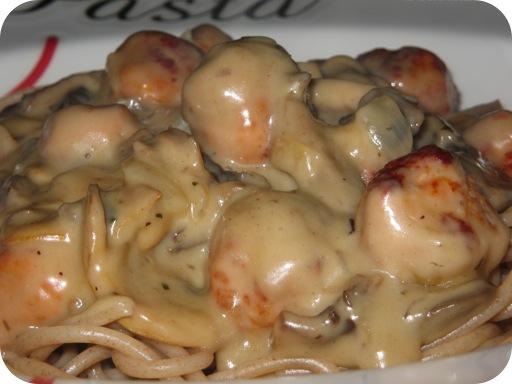 Spaghetti met Balletjes en Romige Champignon-Kaassaus