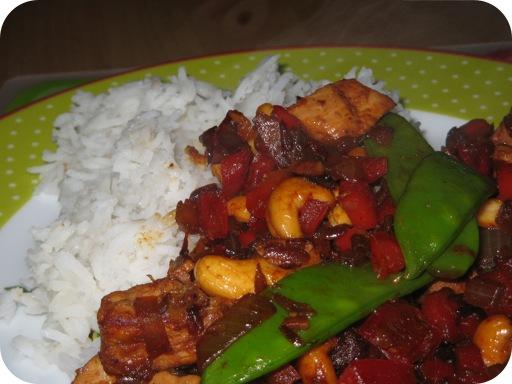 Rijst met Kipfilet, Peultjes en Cashewnoten