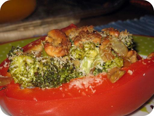 Gevulde Paprika met Broccoli en Cashewnoten
