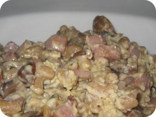 Pasta met Ham, Champignons en MonChou