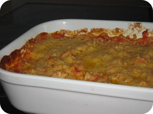 Marcaronischotel met Tomaten, Kaas en Spek