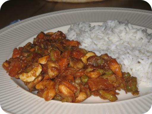 Rijst met Groenten en Pindasaus