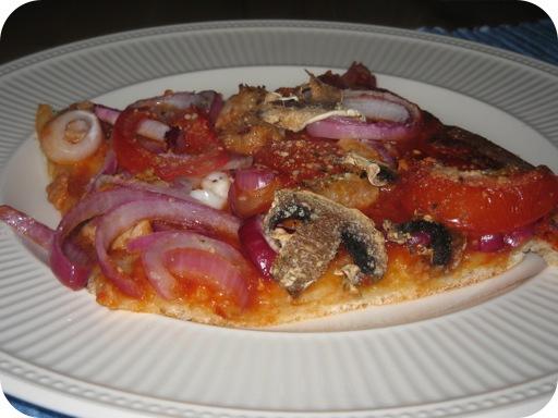 Pizza met Rode Ui en Worst