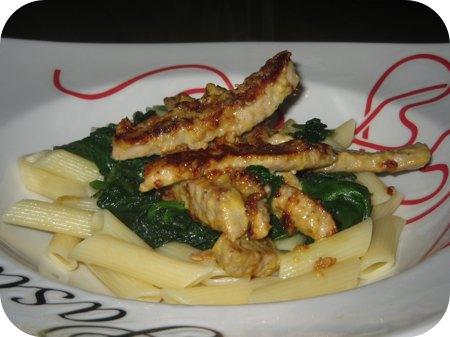 Pasta met Spinazie en Schnitzelreepjes in Mosterdsaus