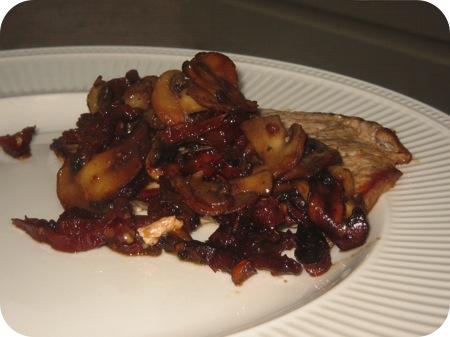 Schnitzels met Champignons en Zongedroogde Tomaat