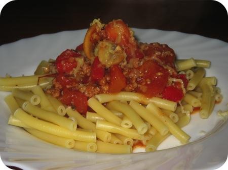 Macaroni met Worst, Paprika en Tomaat