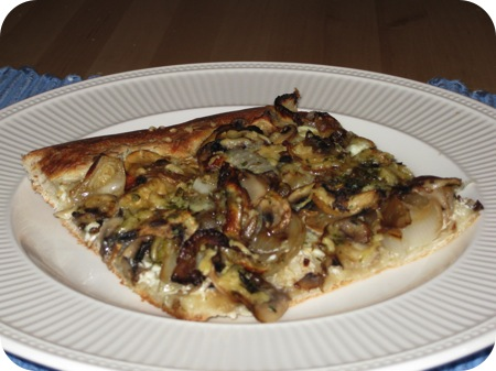 Pizza met Roomkaas en Champignons
