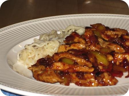 Noedels met Schnitzel en Paprika