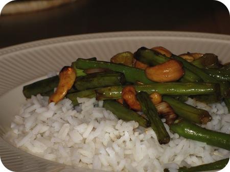 Rijst met Sperziebonen en Cashewnoten