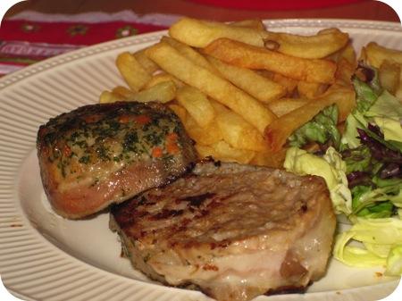 Vleesbrood met Salade en Friet