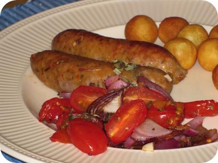 Worstjes met Tomaat en Rode Ui uit de Oven