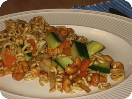 Noodles met Paprika en Komkommer