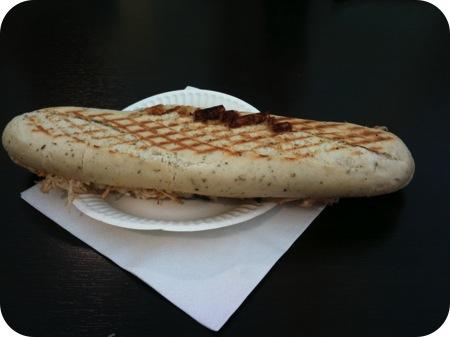 Lunchroom Mika Hasselt Panini Kipfilet Pesto