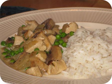 Rijst met Kip, Champignons en Doperwten