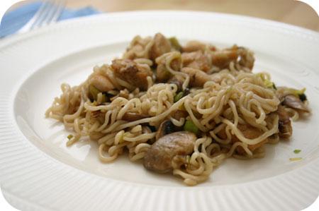 Noodles met Kip, Prei en Champignons