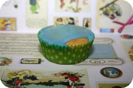 Citroen Cupcakes met Blauwe Glazuur