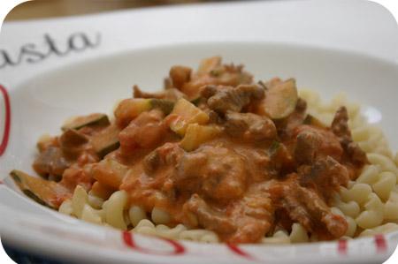 Macaroni met Courgette, Roomkaas en Rundvlees