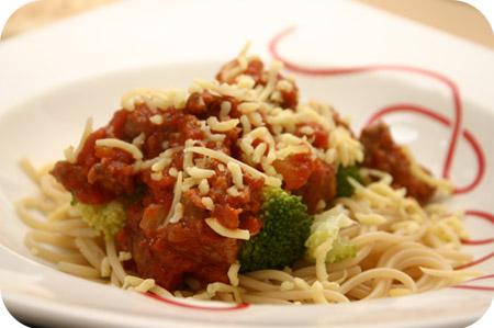 Spaghetti met Broccoli, Worstjes en Tomatensaus