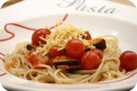 Spaghetti met Courgette en Kerstomaten
