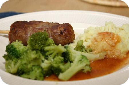 Broccoli met Aardappelpuree en Cordon Bleu Sticks