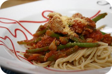 Spaghetti met Worst, Sperziebonen en Tomatensaus