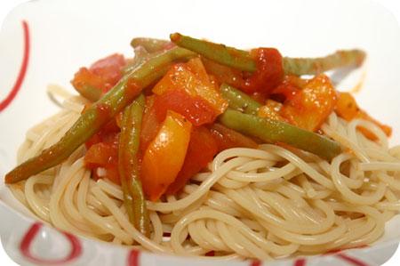 Spaghetti met Sperzieboontjes en Tomatensaus
