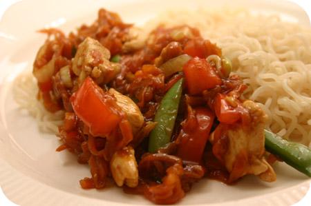 Noodles met Kipfilet in Zoete Chilisaus
