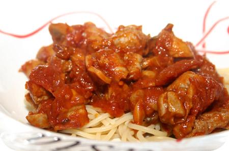Spaghetti met Chipolata's en