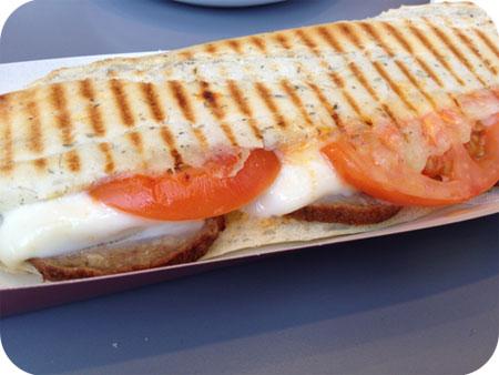Cafe Bonjour - Minderhout sandwichboulette