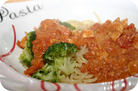 Spaghetti met Broccoli en Tikka Masala Saus