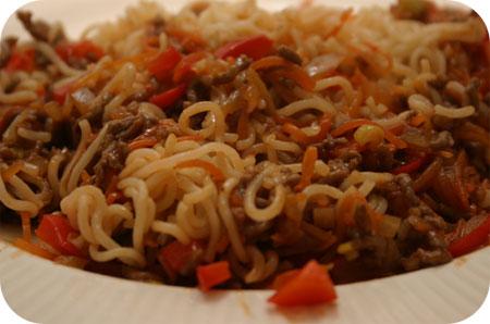 Noodles met Gehakt in Pittig, Zoete Saus
