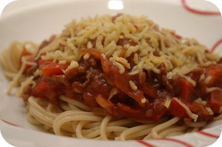Spaghetti met Gehakt, Paprika en Tomatensaus