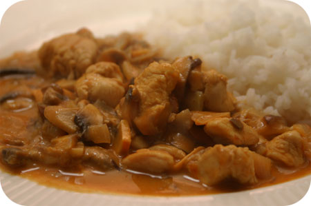 Rijst met Kip en Paddenstoelen in Thaise Saus