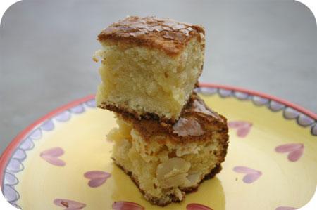 Brownies van Witte Chocolade en Macadamianoten