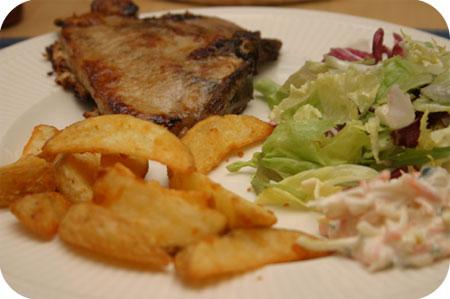 Karbonade met Sla en Aardappeltjes