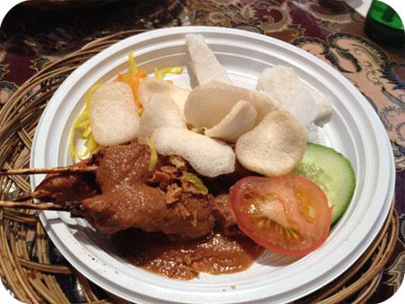 Tong Tong Fair in Den Haag Saté Ajam restaurant Sentl