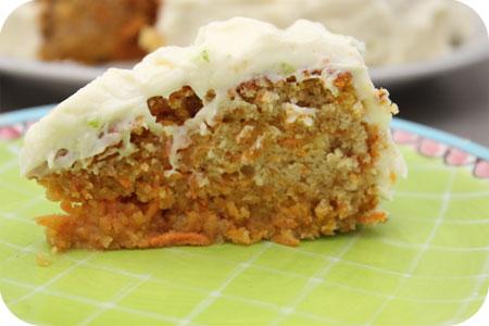 stukje Worteltaart (Carrot Cake)