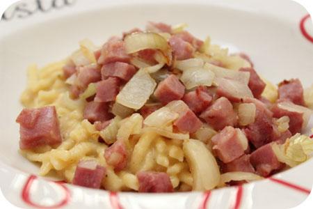 Spätzle met Ham en Ui