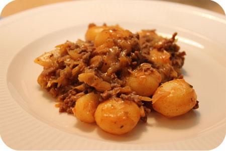 Spitskool met Aardappeltjes en Gehakt schichtkohl