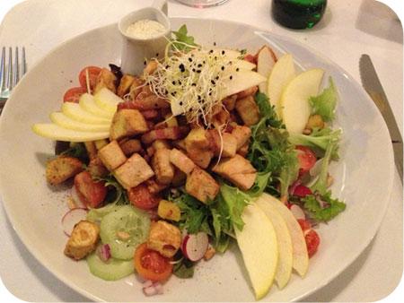 otus salade met appeltjes en kip