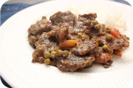 Rijst met Stoofvlees, Doperwtjes en Worteltjes
