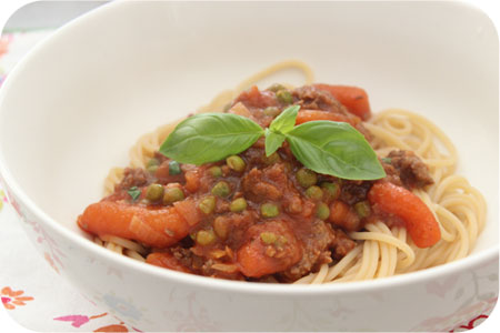 Spaghetti Bolognese met Worteltjes en Doperwten